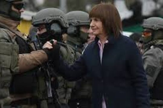 Aumento salarial para gendarmes, prefectos y policías federales
