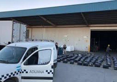 Aduana incauto mas 1 millón de dolares en cocaína (Orán pocitos)