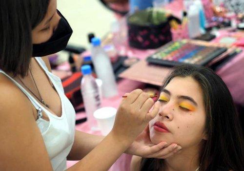 Mejoras en Alumbrado y talleres de maquillaje, decoración en Orán